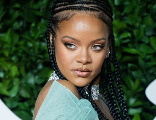 RIHANNA REPLIES SHE'S SAVING THE WORLD TO FANS ASKING FOR ALBUM || LATEST HIP HOP NEWS AND RUMORS